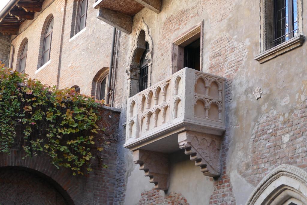 20171116 Verona  Inaugurazione ufficiale dopo i lavori di ristrutturazione del balcone di Giulietta  - Foto Angelo Sartori - 20171116 Verona  Inaugurazione ufficiale dopo i lavori di ristrutturazione del balcone di Giulietta - fotografo: Sartori